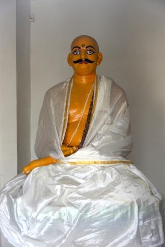 Statue of Raja Joynarayan Ghosal.