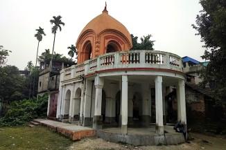 Dolmancha of Radha Shyamsundar Jiu.